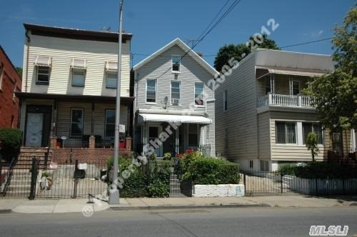 Photo of home for sale at 339 Jamaica Ave, Brooklyn NY