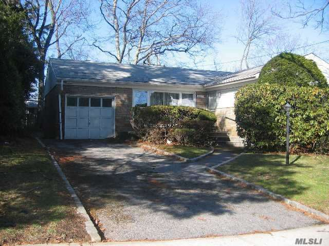 Photo of home for sale at 2232 Leighton Rd, Elmont NY