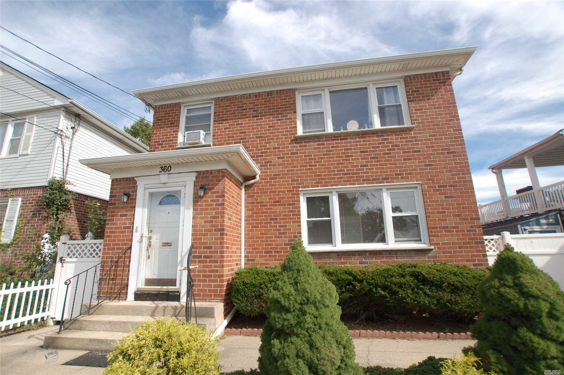 Property for sale at 360 Covert Ave, Floral Park,  NY 11001