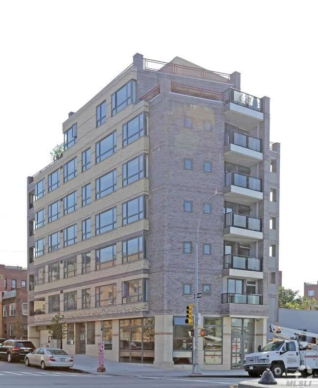 Photo of home for sale at 132-06 Maple Ave, Flushing NY