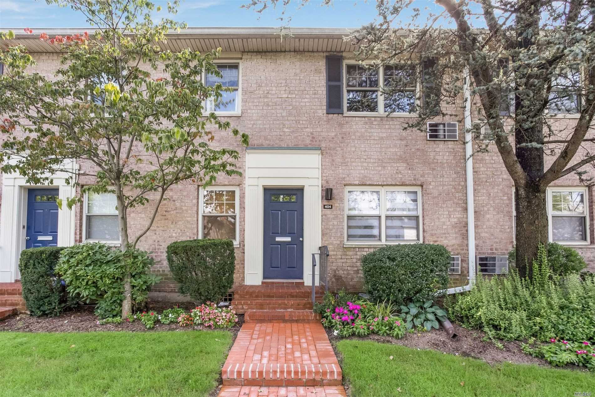 Property for sale at 404 Merrick Rd, Rockville Centre,  NY 11570