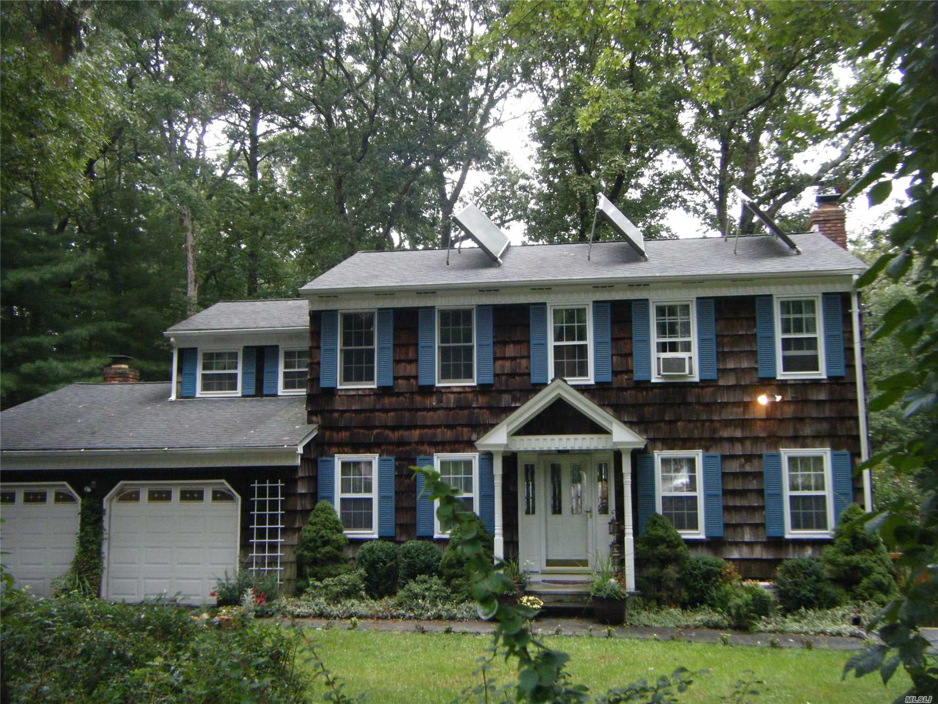 Photo of home for sale at 120 Josephine Dr., Wading River NY