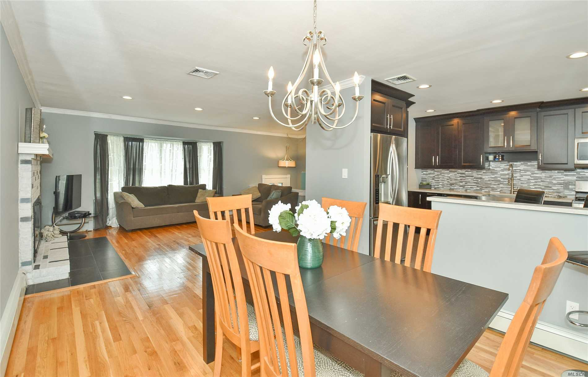 Photo of home for sale at 34 Fox Ln, Commack NY