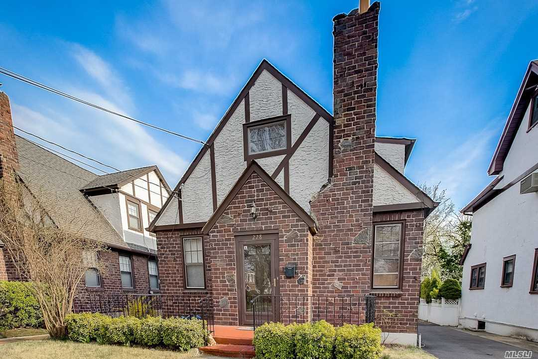 Photo of home for sale at 228 Rider Ave, Malverne NY
