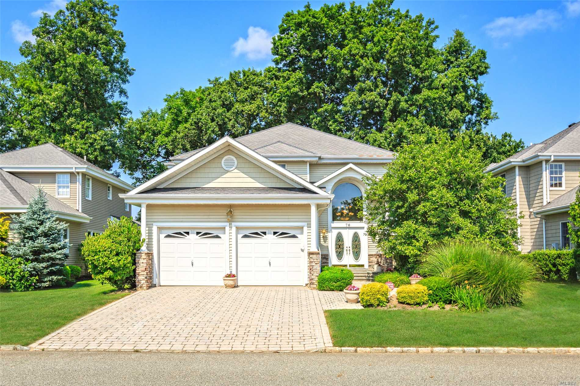 Property for sale at 76 Redan Dr, Smithtown,  NY 11787