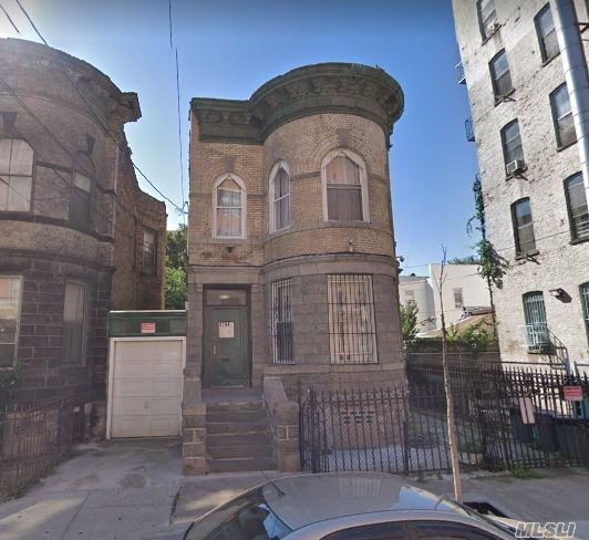 Photo of home for sale at 1800 Clinton Ave, Bronx NY