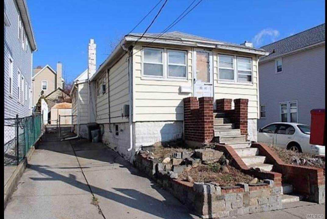 Photo of home for sale at 119-21 28th Ave, Flushing NY