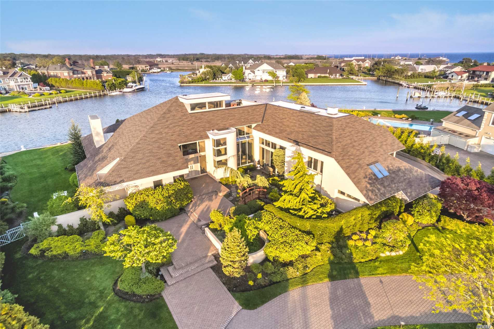 Photo of home for sale at 136 The Helm, East Islip NY