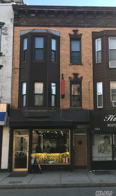 Photo of home for sale at 128 Nassau Ave, Brooklyn NY