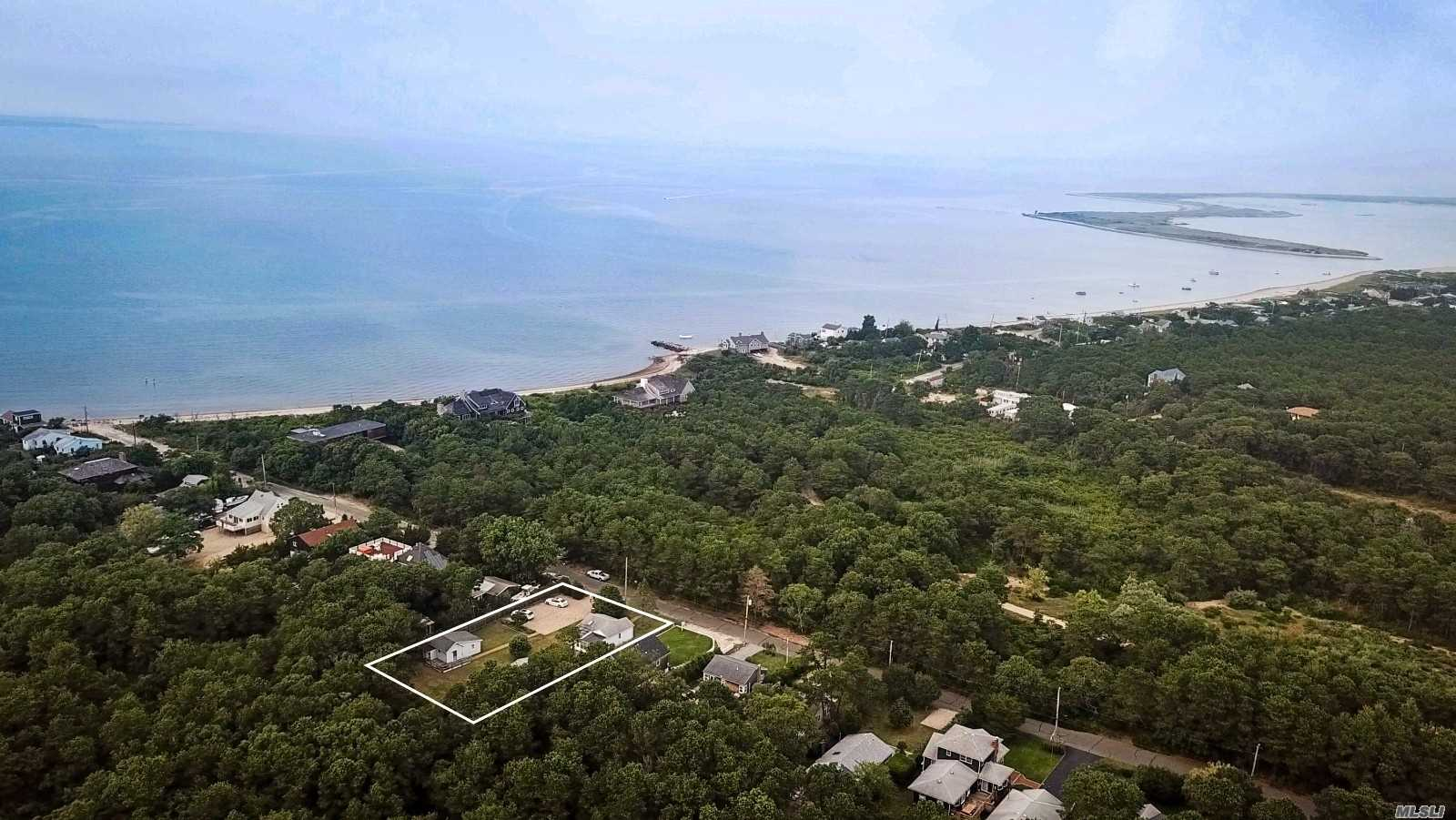 Photo of home for sale at 101 & 105 Mulford Ln, Amagansett NY