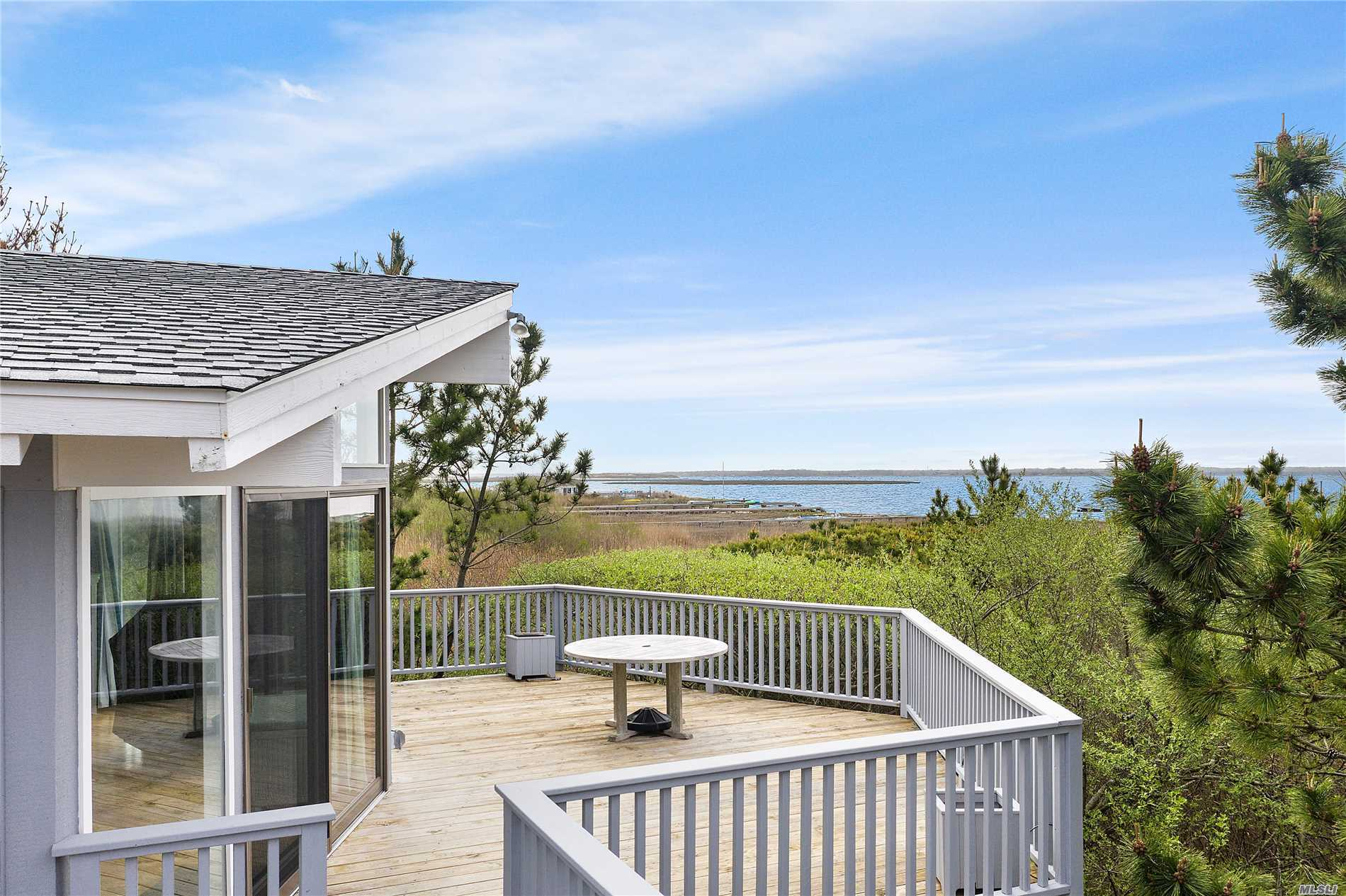 Photo of home for sale at 26 Cove Ln, Westhampton Bch NY