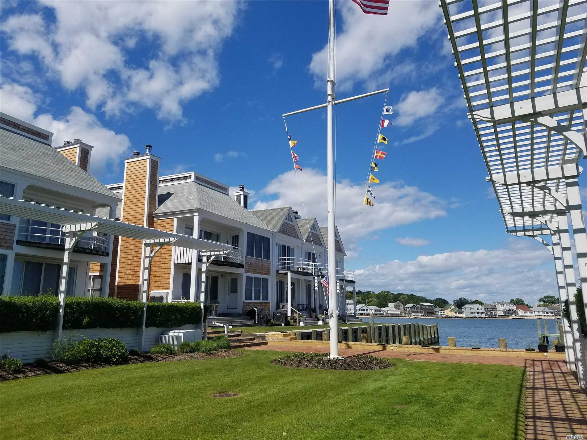 Photo of home for sale at 41 Stirling Cove, Greenport NY