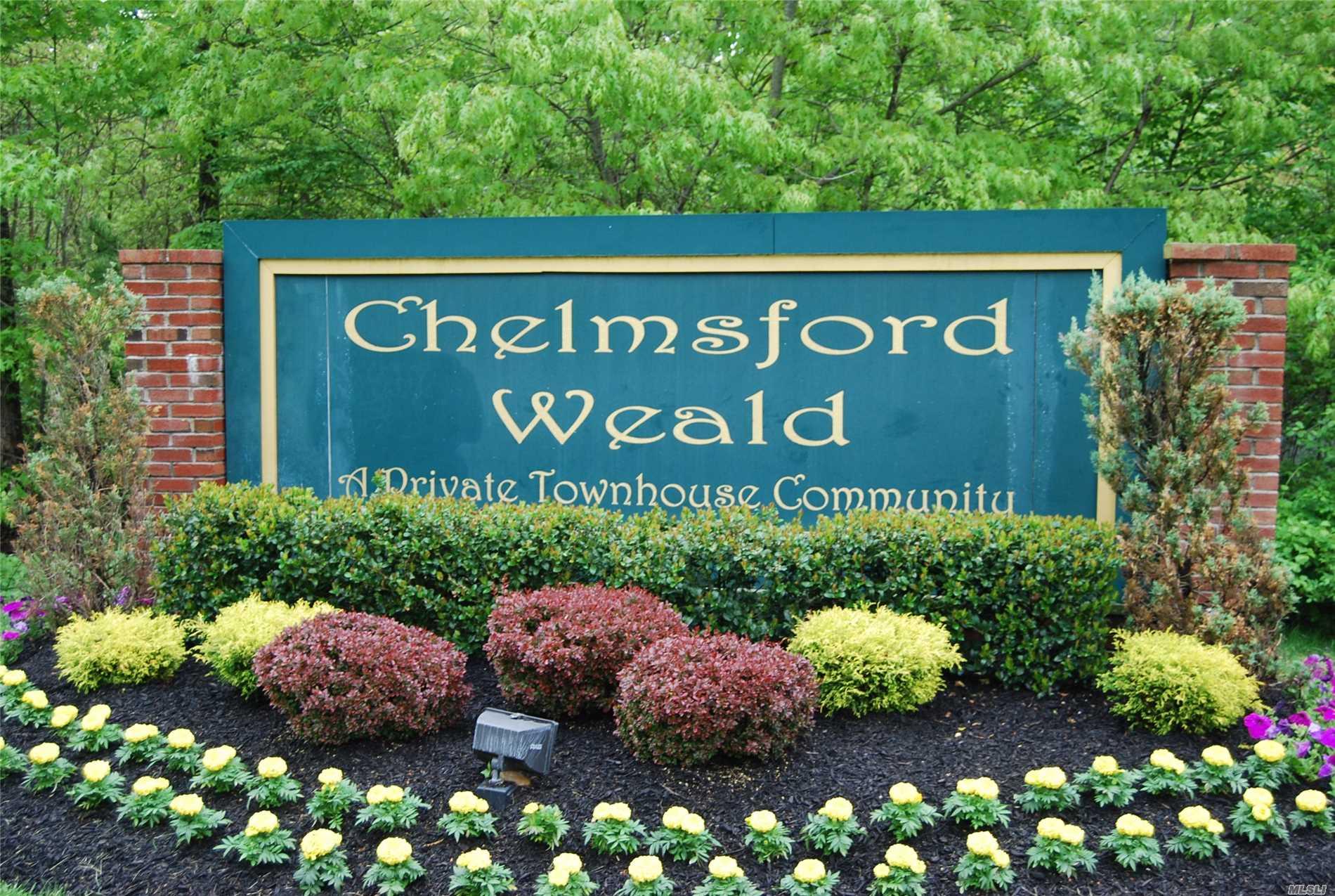 Property for sale at 9 Daremy Cir, Medford,  NY 11763