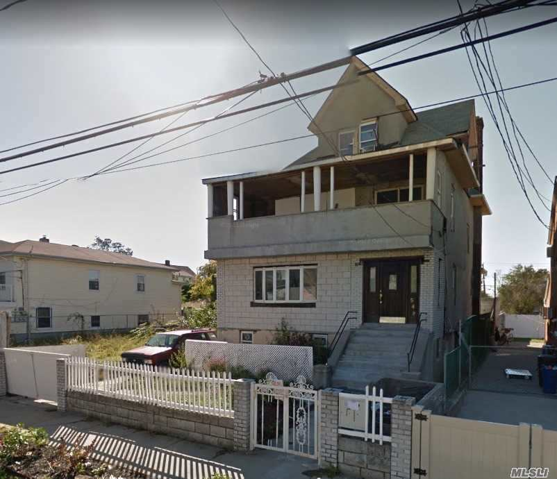 Photo of home for sale at 549 Beach 68th St, Arverne NY