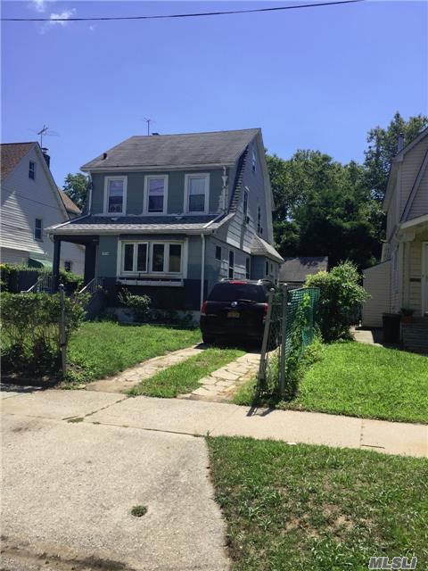 Photo of home for sale at 179-28 137 Ave, Springfield Gdns NY