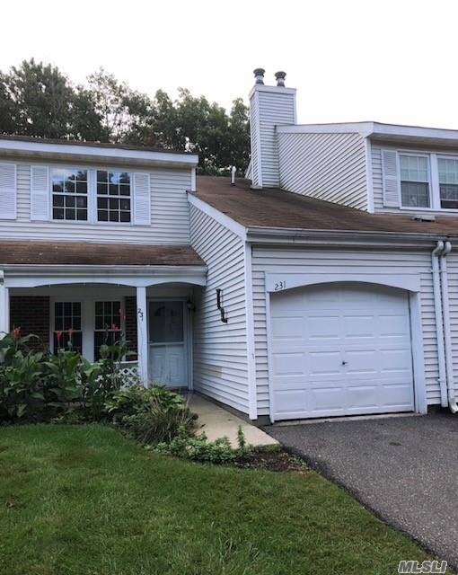 Property for sale at 231 Ivy Meadow Ct, Middle Island,  NY 11953