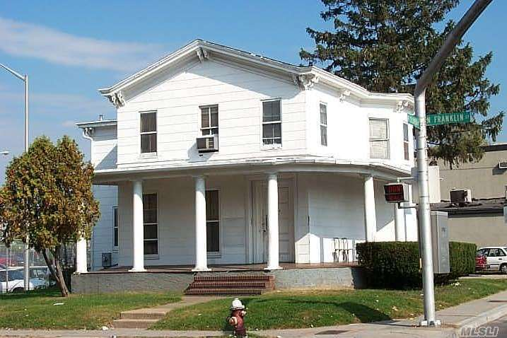 Photo of home for sale at 144 North Franklin St, Hempstead NY