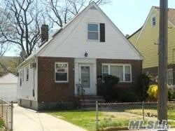 Photo of home for sale at 237-34 Fairbury Ave, Bellerose NY