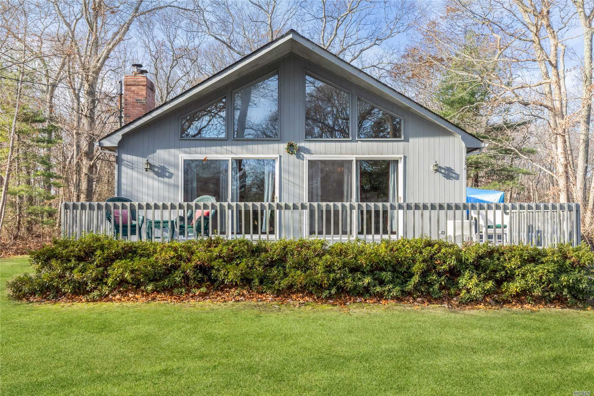 Photo of home for sale at 500 Corey Creek Ln, Southold NY