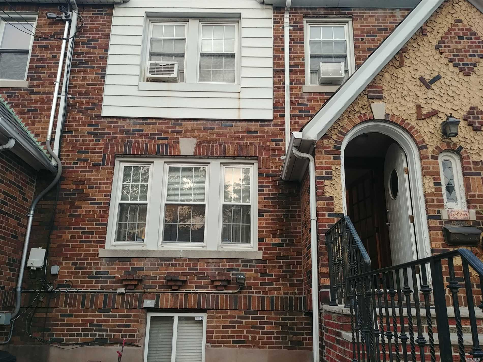 Photo of home for sale at 53-65 65 Pl, Maspeth NY