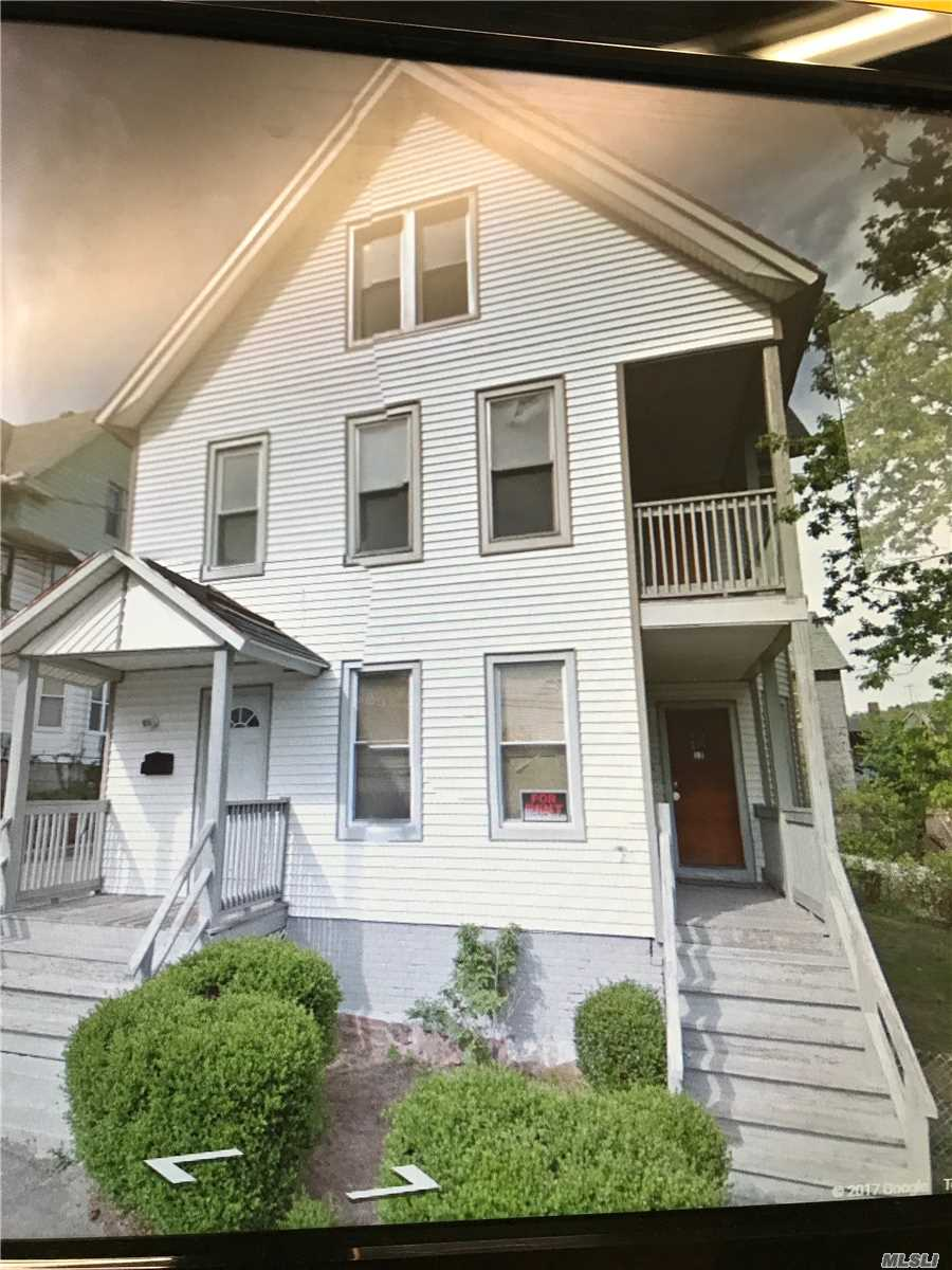 Photo of home for sale at 12-14 Brewster St, Waterbury CT