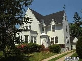 Photo of home for sale at 926 Mayfield Rd, Woodmere NY