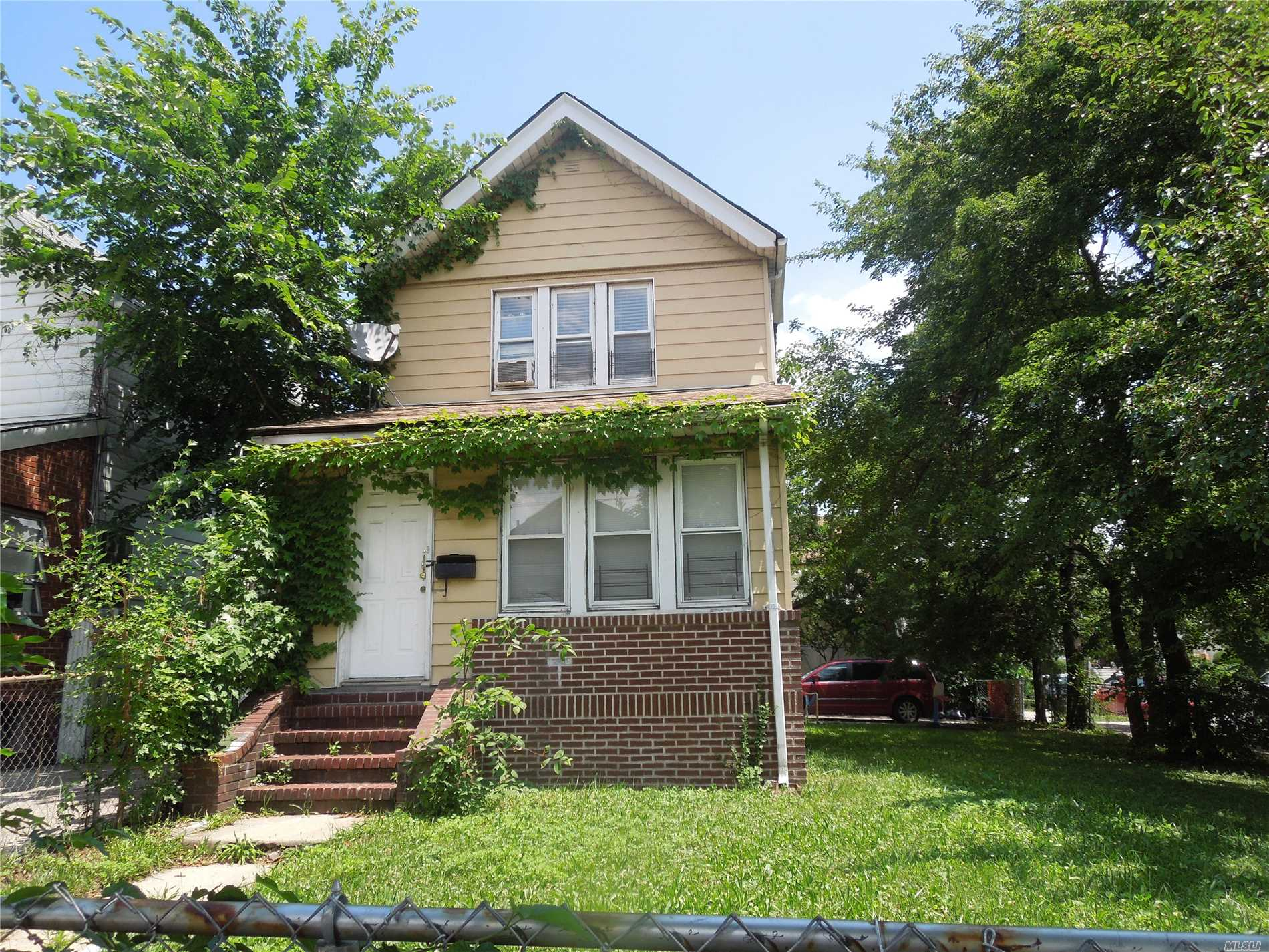 Photo of home for sale at 102-73 189th St, Jamaica NY
