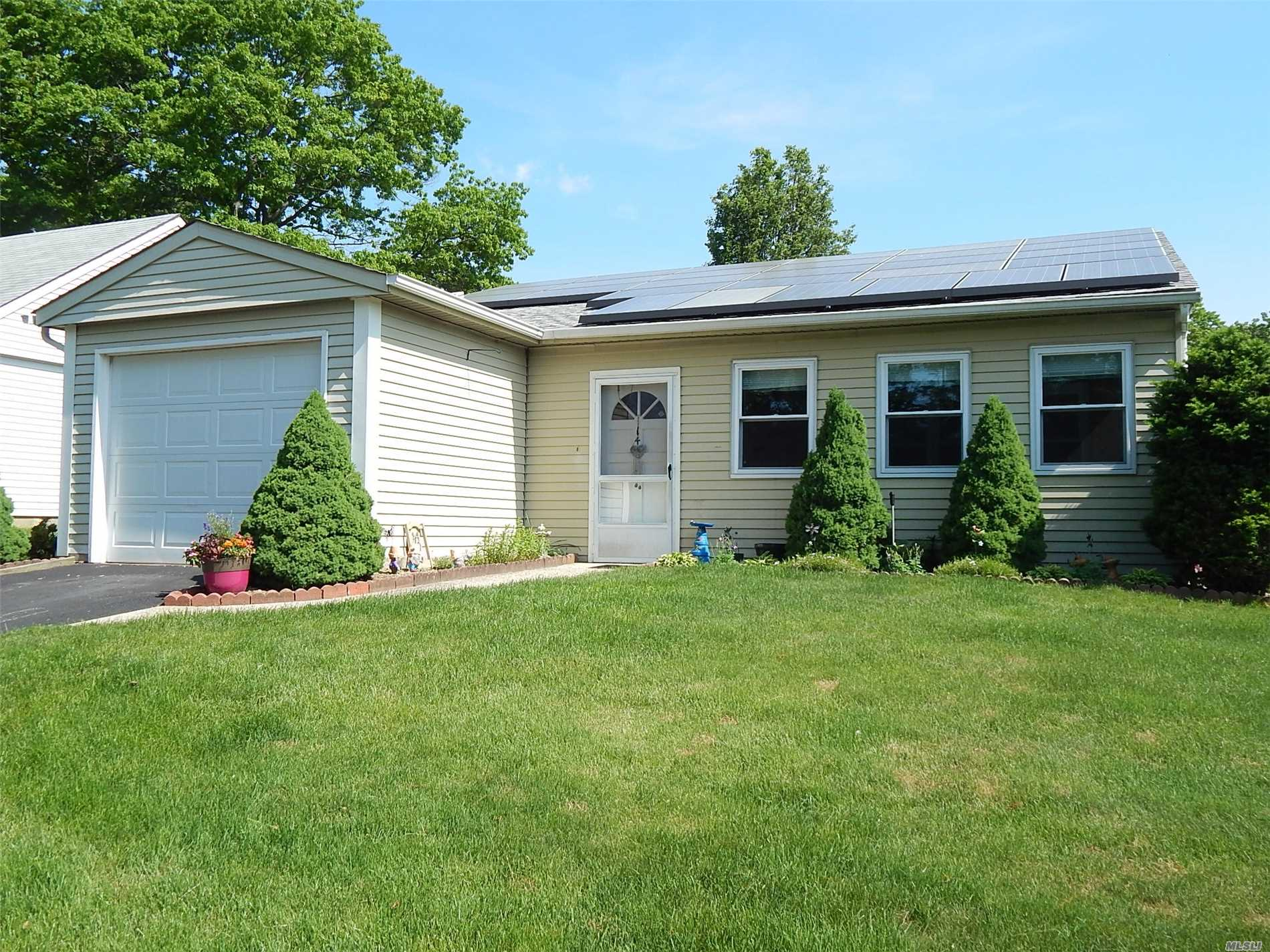 Property for sale at 144 Laurance Ln, Ridge,  NY 11961