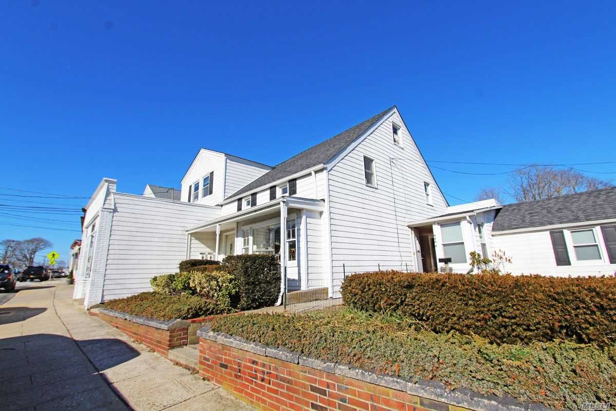 Photo of home for sale at 486 Montauk, Eastport NY