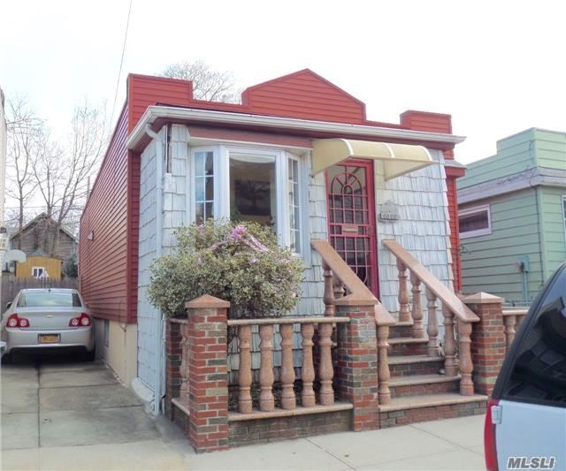 Photo of home for sale at 60-86 59th Rd, Maspeth NY