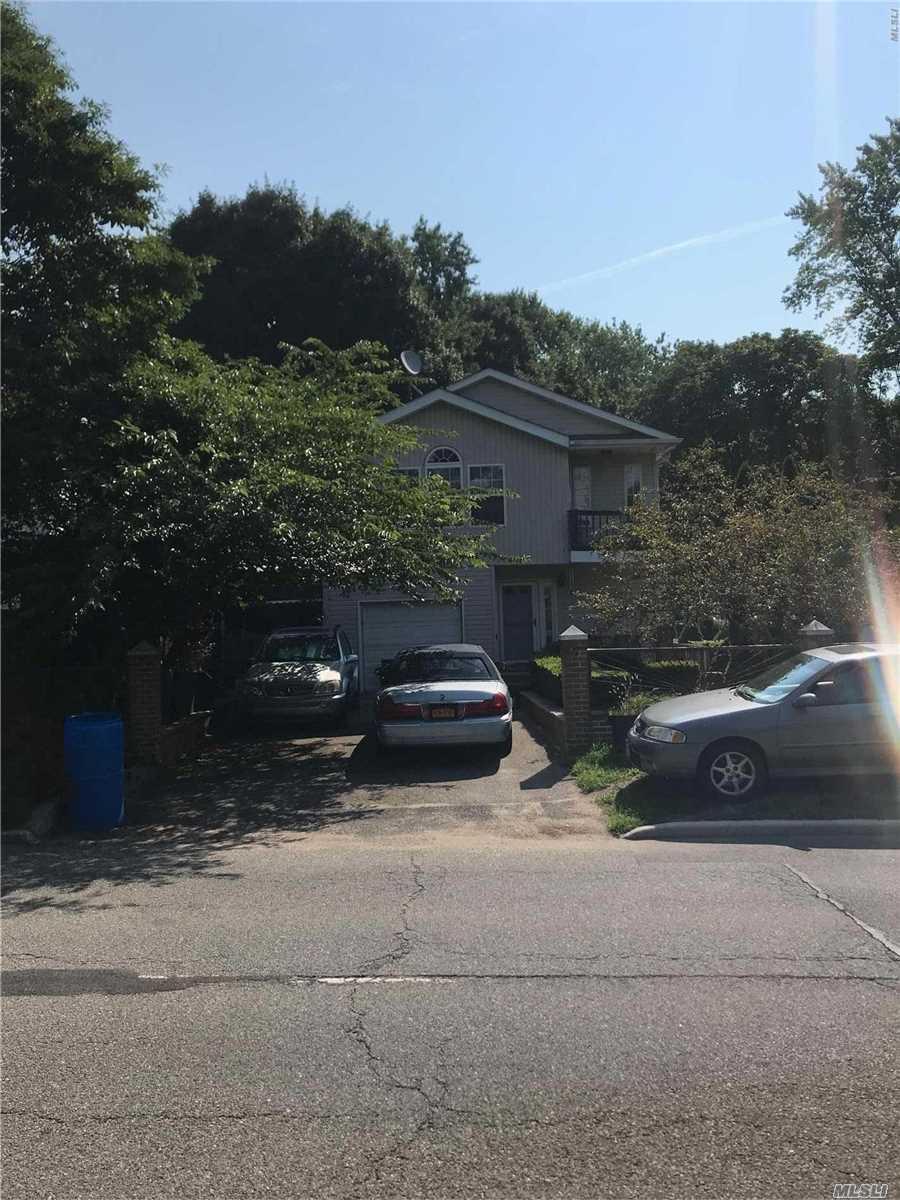 Photo of home for sale at 2328 Ny Ave, South Huntington NY