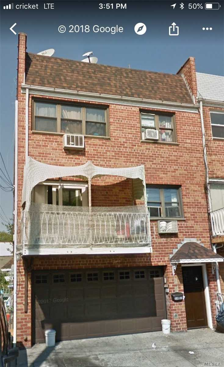 Photo of home for sale at 59-07 59 Dr, Maspeth NY