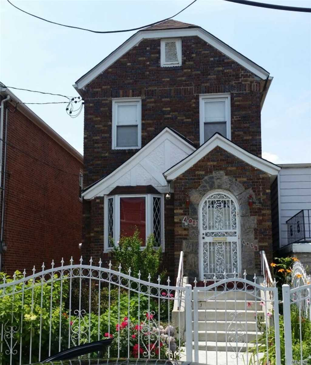 Photo of home for sale at 4081 Amundson, Bronx NY