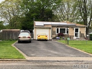 Photo of home for sale at 316 Grand Blvd, Brentwood NY