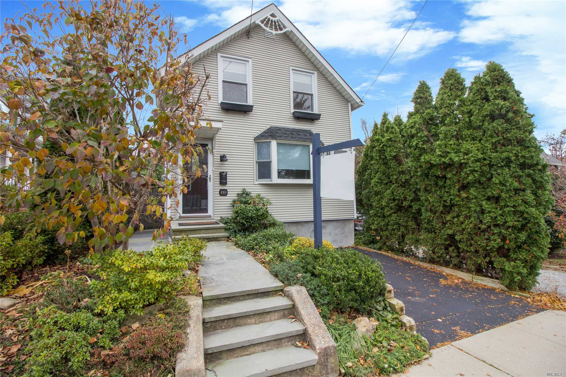 Photo of home for sale at 89 Orchard St, Oyster Bay NY