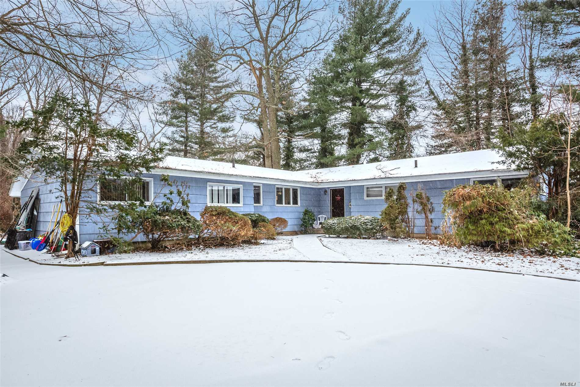 Photo of home for sale at 46 Willoughby Path, East Northport NY