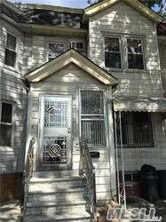 Photo of home for sale at 104-53 Atlantic Ave, Richmond Hill NY