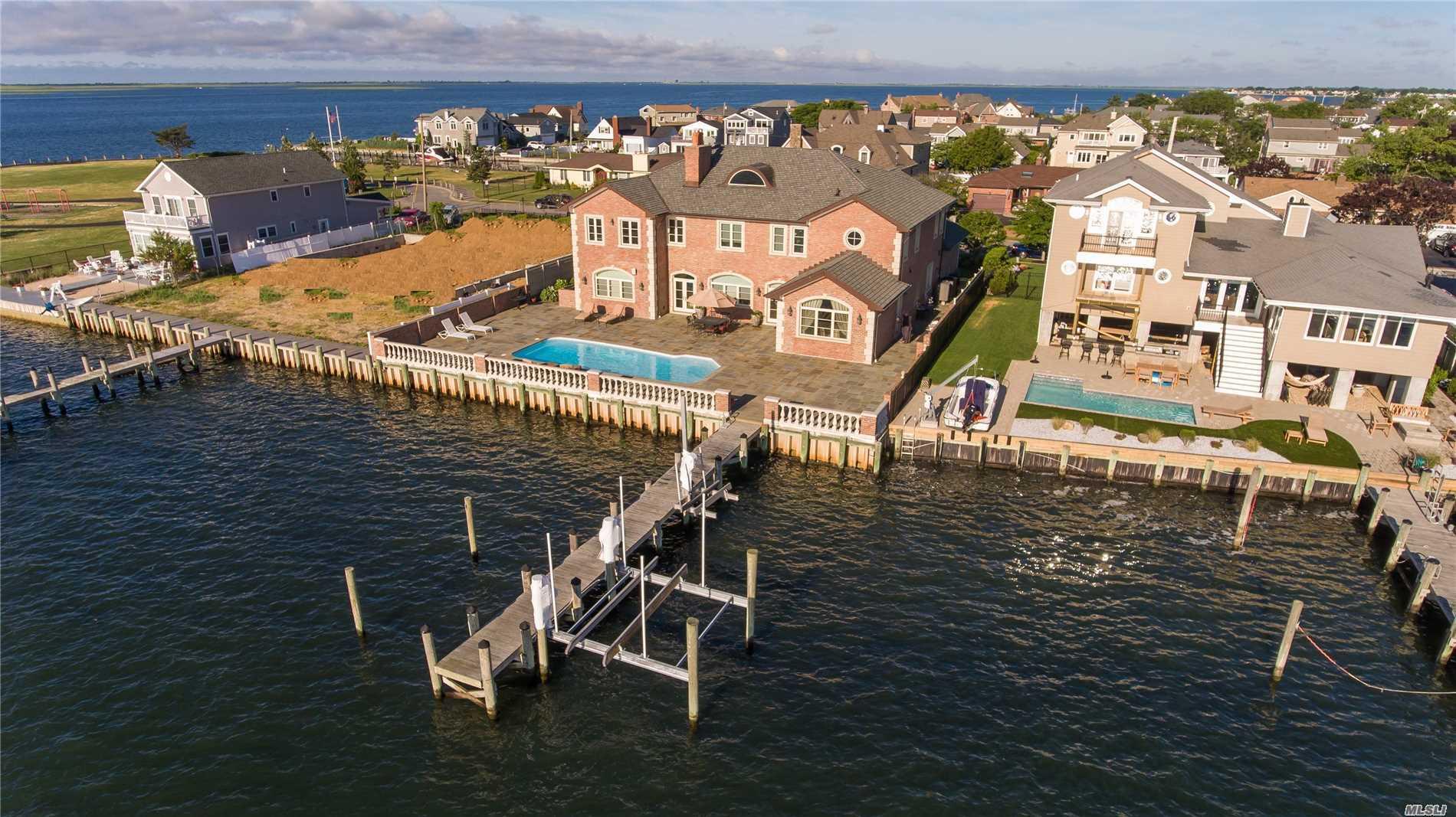 Photo of home for sale at 344 Shore Dr E, Massapequa NY