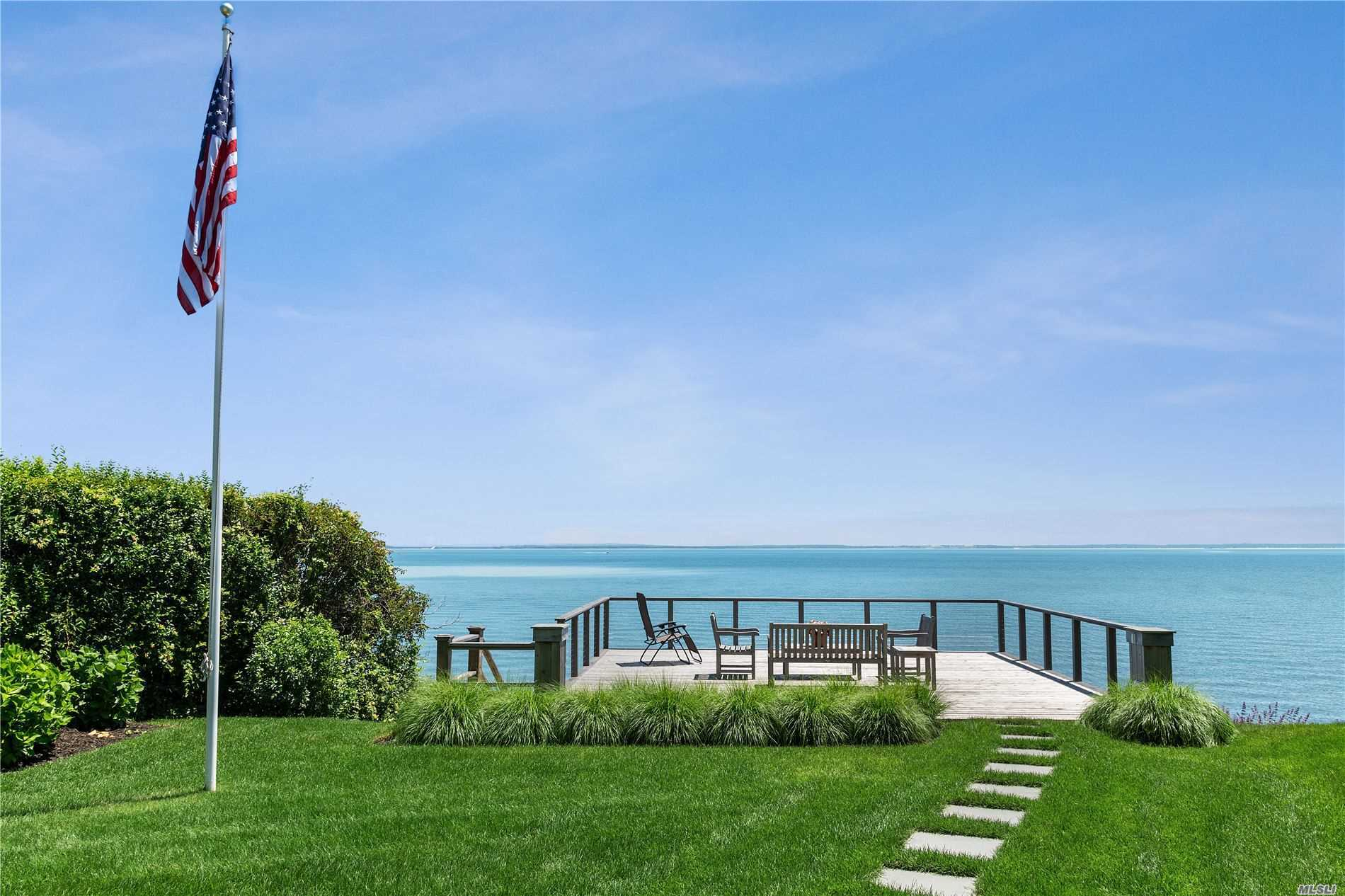 Photo of home for sale at 7080 Peconic Bay Blvd, Laurel NY