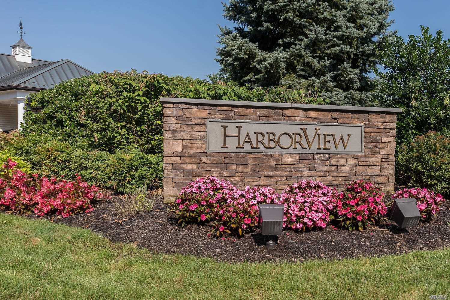 Property for sale at 165 Harbor View Dr, Port Washington,  NY 11050