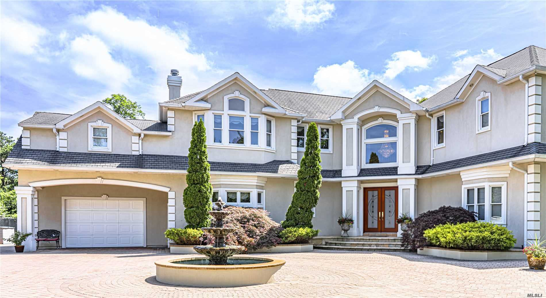 Photo of home for sale at 1 Ocean Ext. Ave, Islip NY