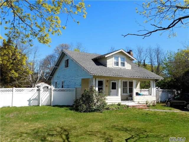 Photo of home for sale at 17 Mooney Pond Rd, Coram NY