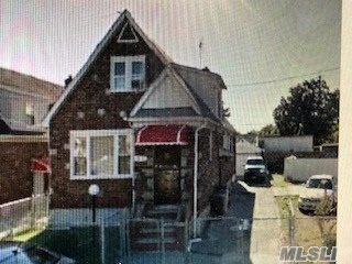 Photo of home for sale at 118-82 Riverton St, St. Albans NY
