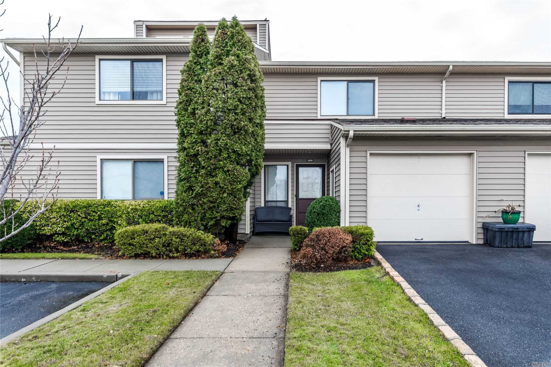 Property for sale at 100 Daly Blvd Unit 2608, Oceanside,  New York 11572