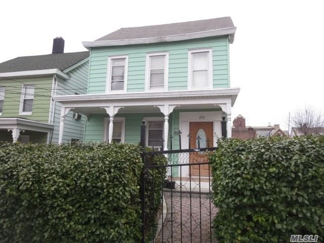 Photo of home for sale at 223 6th Ave N, Mount Vernon NY