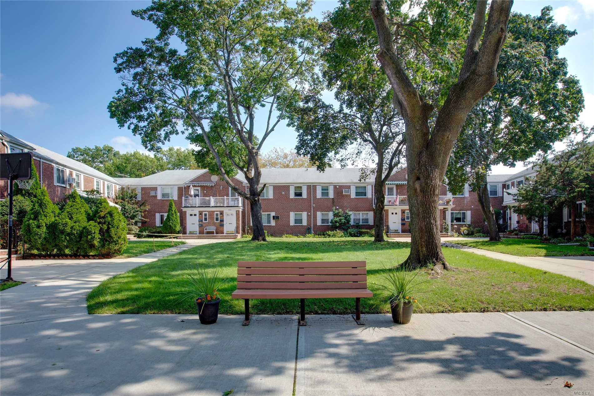 Photo of home for sale at 260-34 75 Ave, Glen Oaks NY
