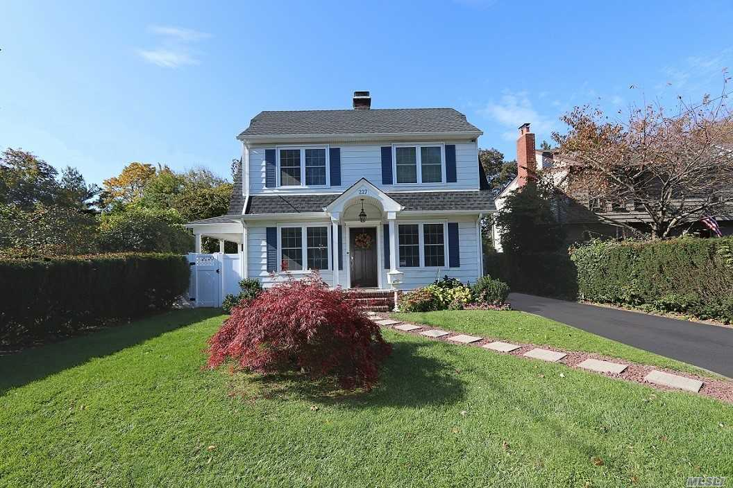 Photo of home for sale at 227 Berry Hill Rd, Syosset NY