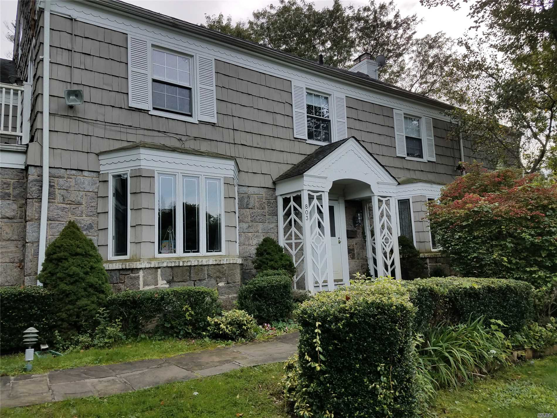 Photo of home for sale at 803 Barberry Ln, Woodsburgh NY