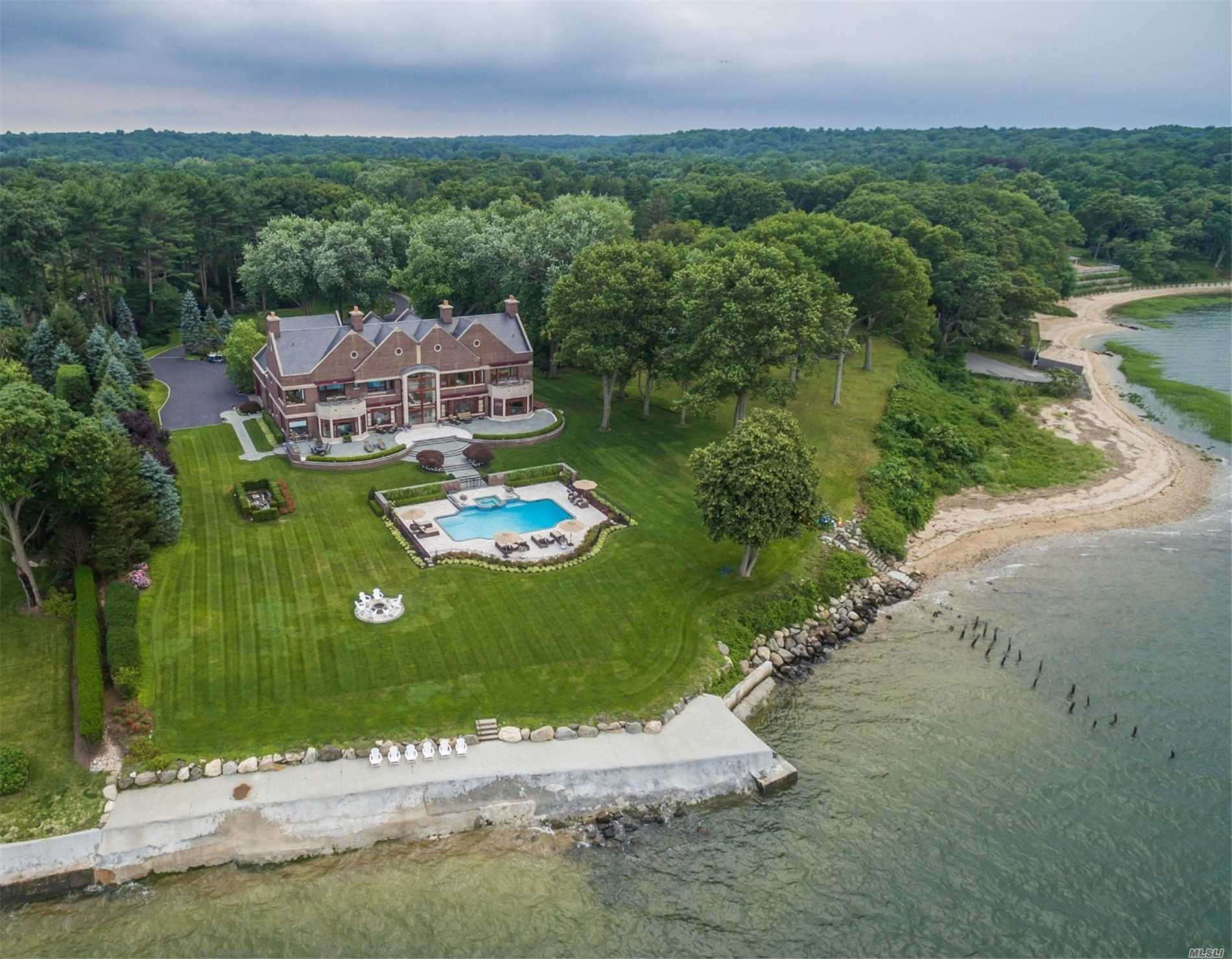 Photo of home for sale at 1 Lighthouse Point, Lloyd Harbor NY