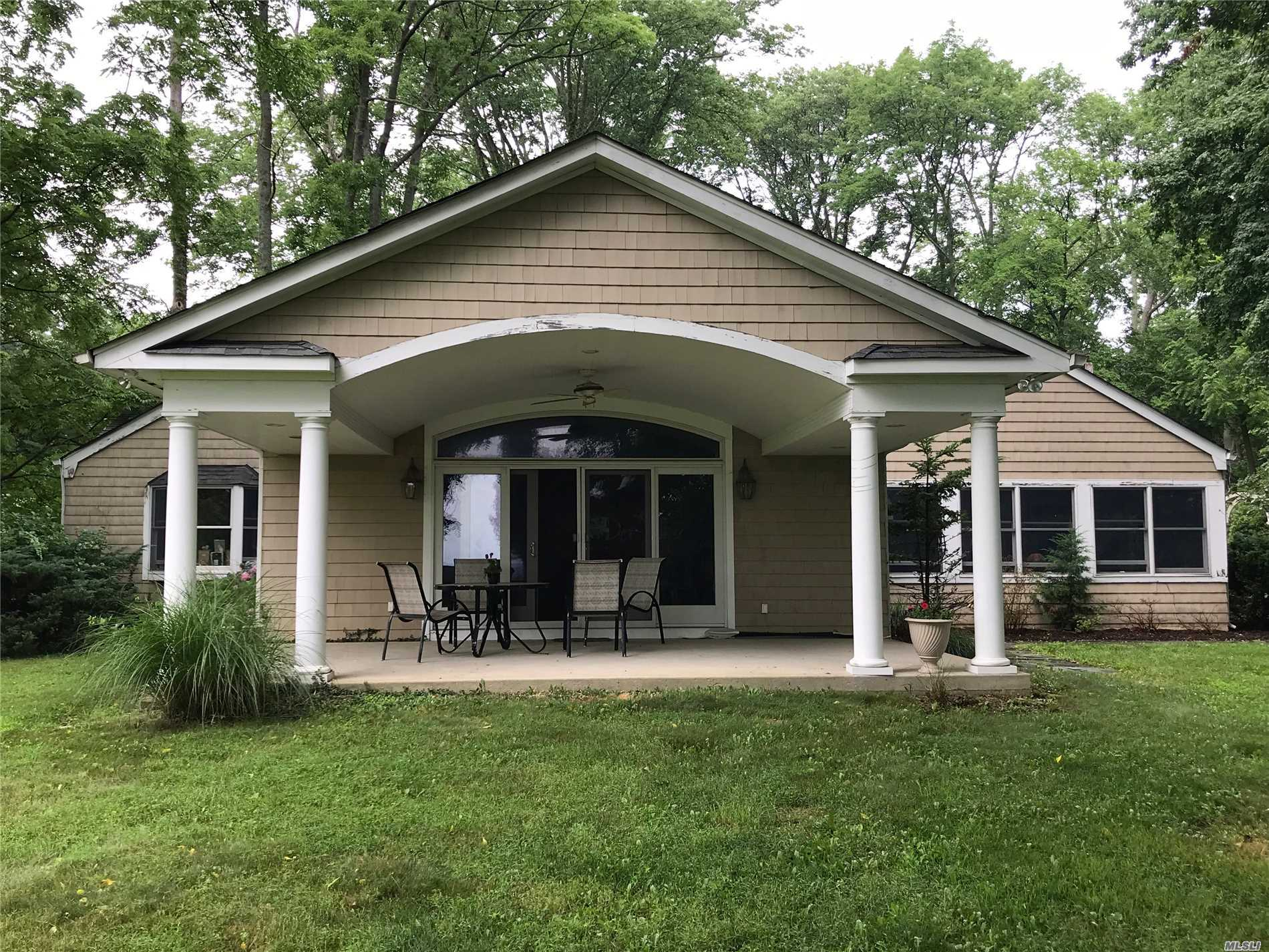 Photo of home for sale at 40 Cherrylawn Ln, Northport NY